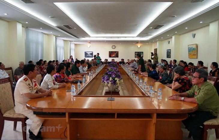 Hommage aux volontaires vietnamiens tombés au champ d'honneur au Cambodge - ảnh 1