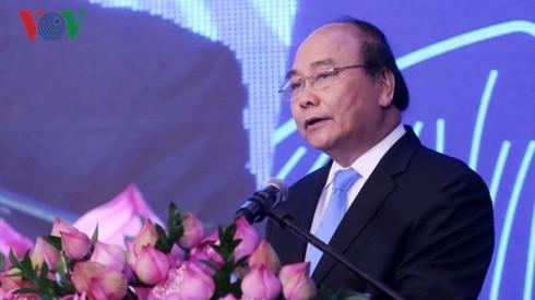 Nguyên Xuân Phuc à un forum sur les ressources humaines du secteur touristique     - ảnh 1