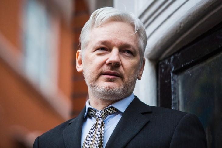 Assange arrêté : l'Équateur se dit victime de 40 millions de cyberattaques - ảnh 1