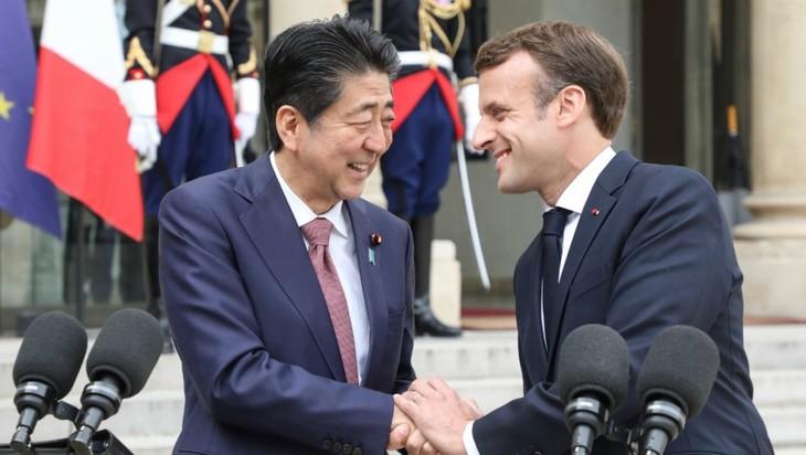 Paris et Tokyo préparent, ensemble, le G7 et le G20  - ảnh 1