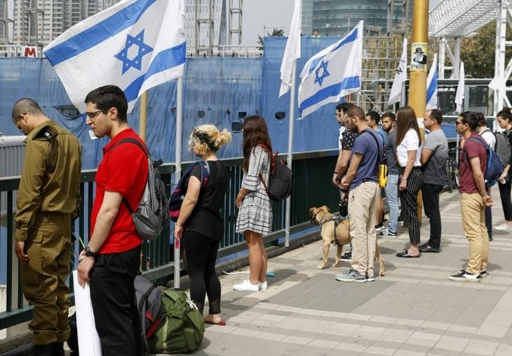 Israël se fige pour la journée de commémoration de la Shoah - ảnh 1
