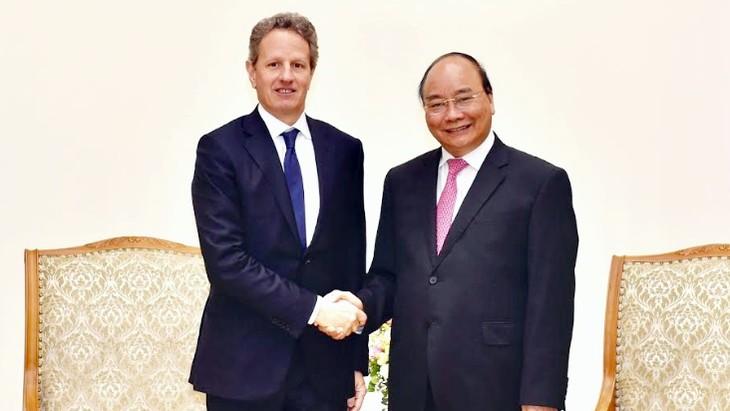 Nguyên Xuân Phuc salue les investissements de Warburg Pincus au Vietnam  - ảnh 1