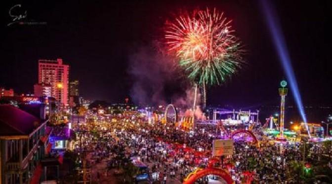 Le festival maritime de Nha Trang - ảnh 1