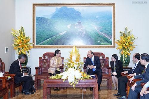 La secrétaire générale adjointe de l'ONU reçue par Nguyên Xuân Phuc - ảnh 1