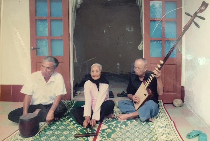 Dang Thi Tu, la gardienne du patrimoine « nhà to » - ảnh 1