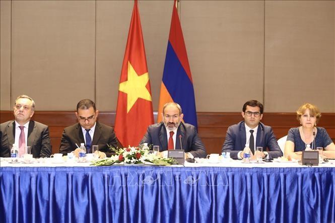 Le Premier ministre arménien termine sa visite au Vietnam - ảnh 1