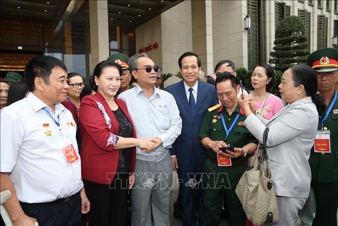 La présidente de l'Assemblée nationale rend hommage aux invalides de guerre - ảnh 1