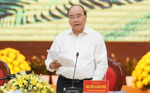 Nguyên Xuân Phuc travaille avec les dirigeants des provinces du Nord - ảnh 1