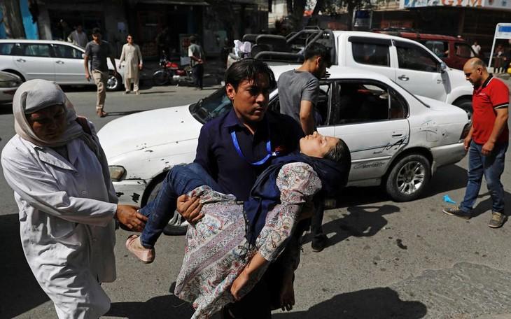Afghanistan: attentat à la voiture piégée des talibans à Kaboul - ảnh 1