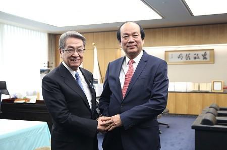Tokyo aidera Hanoï à établir sa gouvernance électronique - ảnh 1