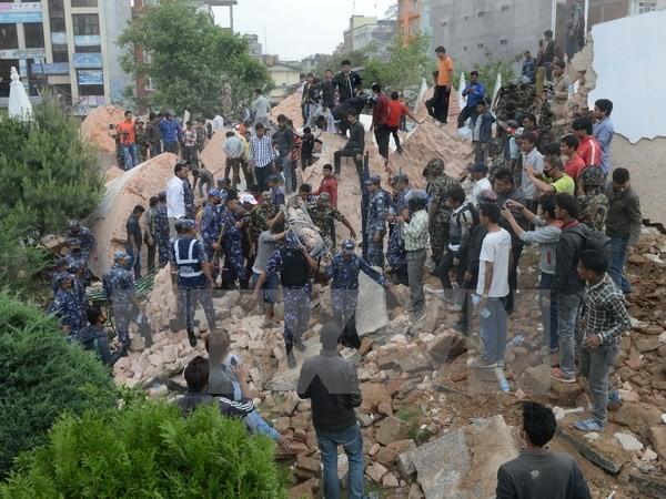 Вьетнам направил соболезнования в связи с произошедшим в Непале землетрясением - ảnh 1