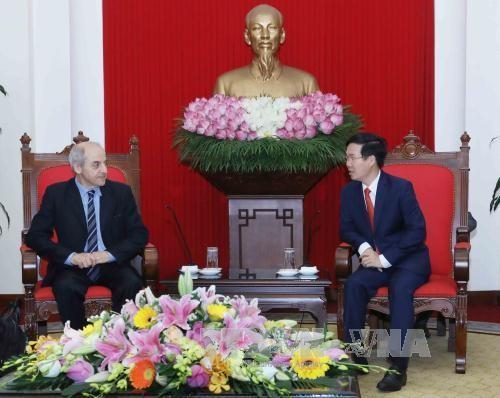Во Вьетнаме с рабочим визитом находится делегация Итальянской коммунистической партии - ảnh 1