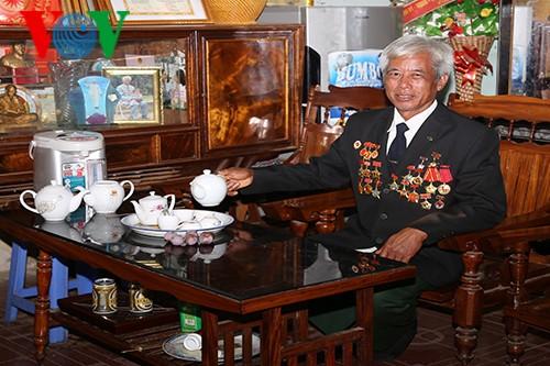 О Герое труда Ви Ван Оме, который охраняет пограничные рубежи Родины - ảnh 1