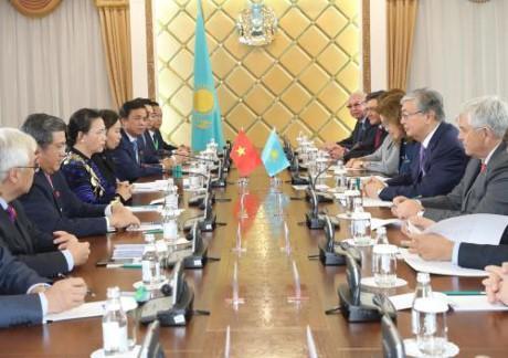Нгуен Тхи Ким Нган провела переговоры с председателем Сената Казахстана - ảnh 1