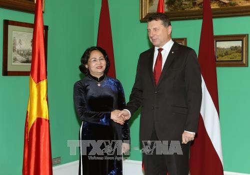 Вице-президент Вьетнама посещает Латвию с официальным визитом - ảnh 1