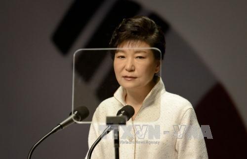 Экс-президент РК Пак Кын Хе отказалась отвечать на вопросы следователей  - ảnh 1