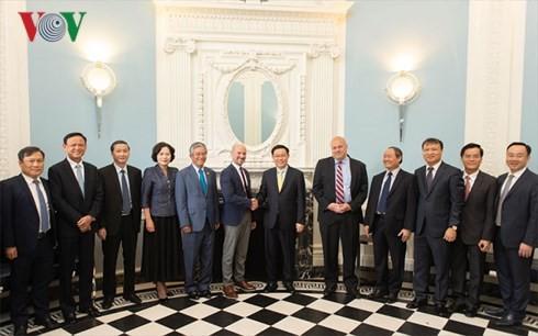Американские предприятия желают активизировать инвестиционно-деловое сотрудничество с Вьетнамом - ảnh 1
