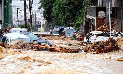 В Японии возросло число пострадавших от наводнений и оползней - ảnh 1