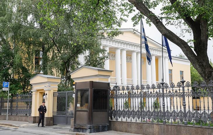 Россия дала ответ на высылку дипломатов из Греции - ảnh 1