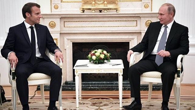 Путин и Макрон обсудили по телефону ситуацию в Сирии - ảnh 1