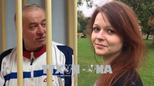 Посольство РФ обвинило США И Великобританию в давлении на ход расследования инцидента в Солсбери - ảnh 1