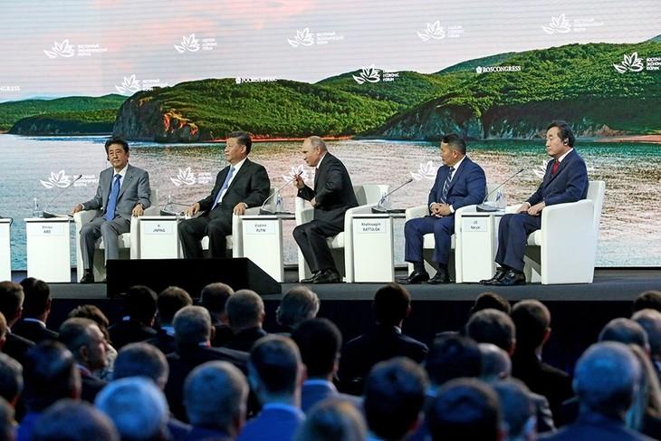 Путин: для устойчивого развития АТР нужно обеспечить его безопасность - ảnh 1