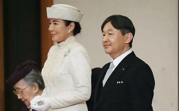 В Японии вступил на престол новый император Нарухито - ảnh 1