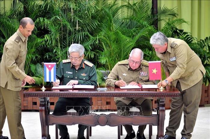 Генерал-полковник Нгуен Чи Винь посещает Кубу с официальным визитом - ảnh 1