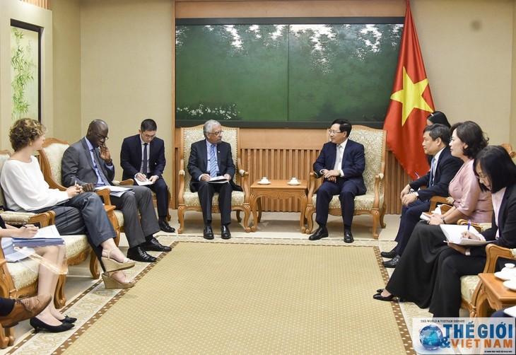 Вьетнам желает, чтобы международные спонсоры продолжали оказывать ему помощь - ảnh 1