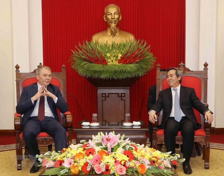 러시아 연방 공산당 대표단, 베트남 방문 - ảnh 1
