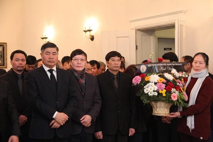 해외 친구들 및 베트남 교민사회, 판 반 카이 (Phan Van Khai) 전 총리 조문  - ảnh 1