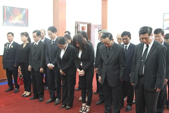 해외 친구들 및 베트남 교민사회, 판 반 카이 (Phan Van Khai) 전 총리 조문  - ảnh 2