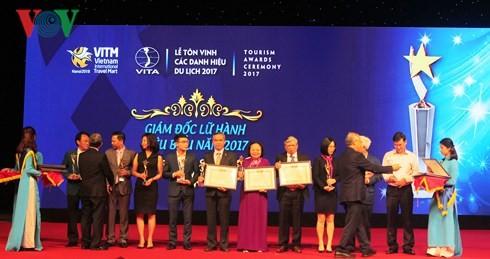 2017년 베트남 대표 관광 브랜드 표창식 - ảnh 1