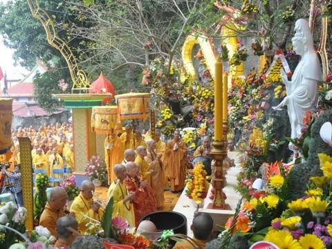 전통문화 색채의 관세음- 오행산 축제 - ảnh 1