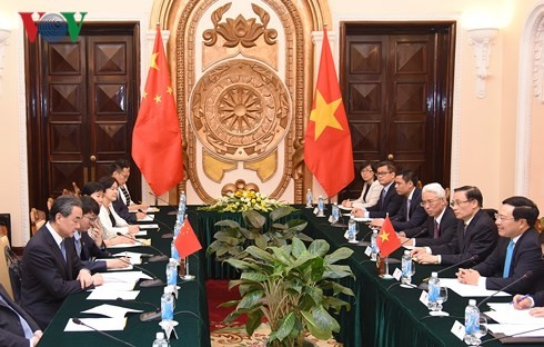 베트남,  중국과의 포괄적 전략적 협력 파트너십의 개발 중요시 - ảnh 1