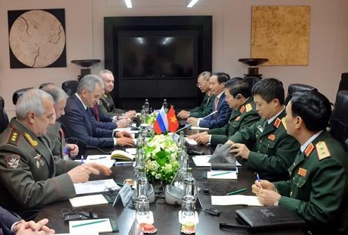 베트남과 러시아 군사협력 강화 - ảnh 1