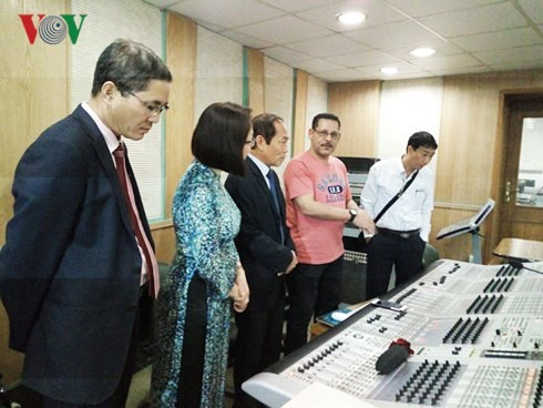 베트남과 이집트의 문화· 음악, 라디오 방송에서 소개 - ảnh 1