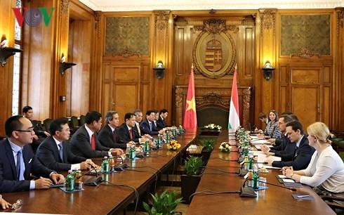 베트남과 헝가리의 다각적 관계 발전 - ảnh 1