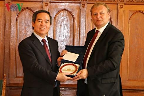 베트남과 헝가리의 다각적 관계 발전 - ảnh 2