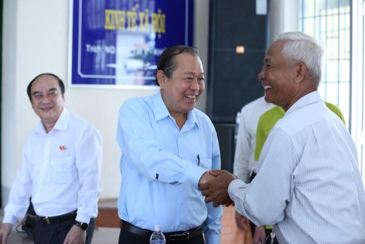 당과 정부 지도자들, 각 지역 유권자들 만나 - ảnh 1