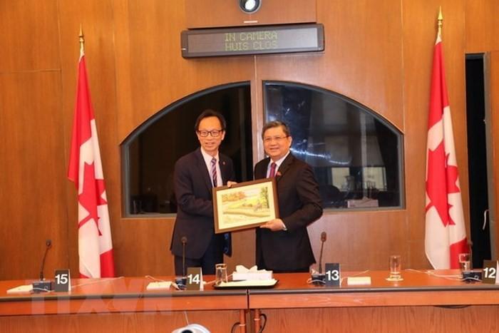 베트남과 캐나다,  의회 협력과 CPTPP 촉진 - ảnh 1