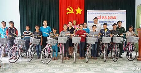 """베트남 껀뚬 성: """"국경의 여성과의 동반자""""사업의 출정식 - ảnh 2"""