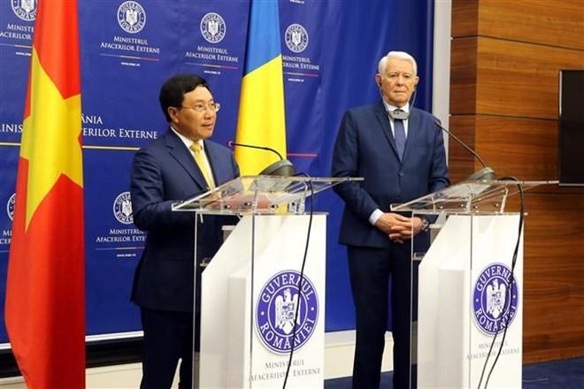 베트남 외무부 장관인 팜빈민 부총리, 루마니아 공식 방문 - ảnh 1