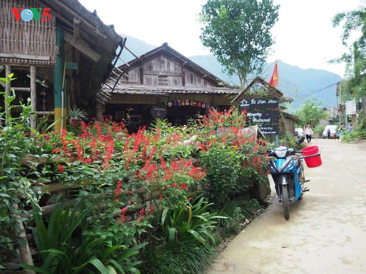 사진집: 따반 – 산 마을속의 거리 - ảnh 5
