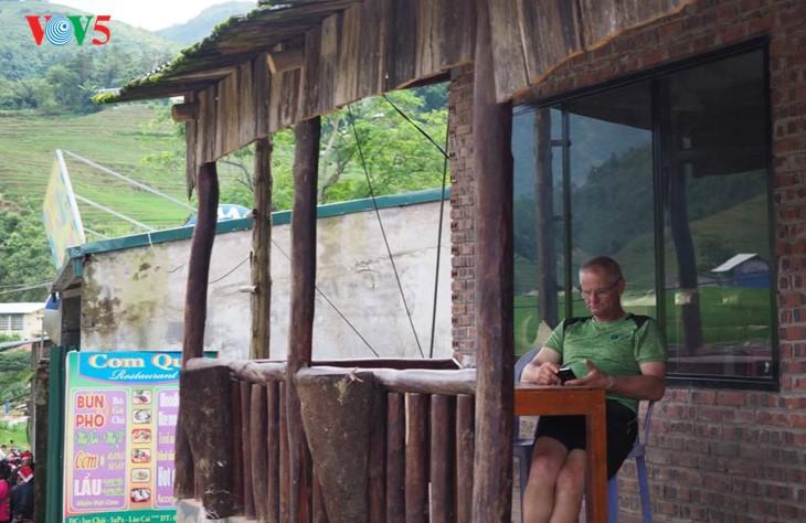 사진집: 따반 – 산 마을속의 거리 - ảnh 7