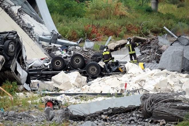 이탈리아 고속도로 다리 붕괴: 베트남 사상자 정보 아직 없어 - ảnh 1