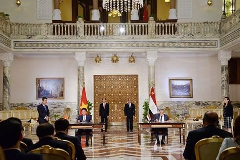 Abdel Fattah Al Sisi 대통령 및 Tran Dai Quang 주석, 회담 결과 기자 회견 - ảnh 1