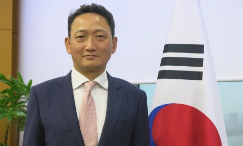 김도현 주 베트남 대사는 개인으로서 베트남 축구 대표단을 사랑합니다! - ảnh 1
