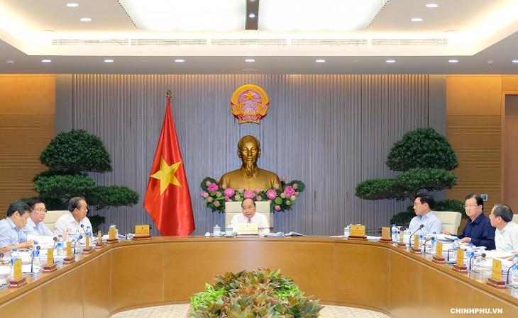 Nguyen Xuan Phuc 총리, 정부 상임 회의주재 - ảnh 1