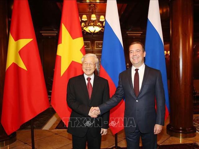Nguyen Phu Trong 서기장, Dmitry Medvedev 연방총리 겸 통일 러시아당 의장 회견 - ảnh 1